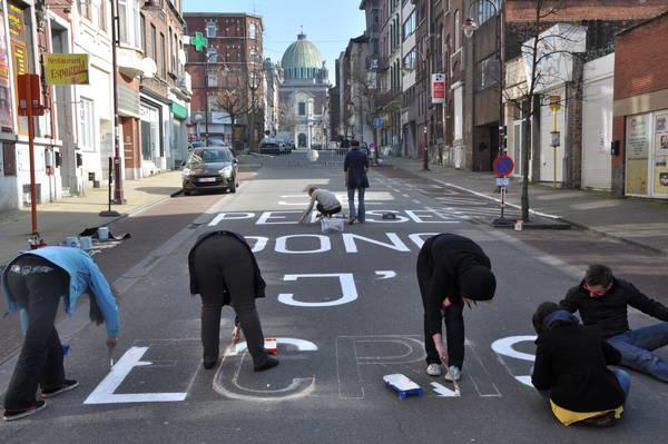 À Charleroi, Ville des mots en 2014, on avait même investi la voie publique.