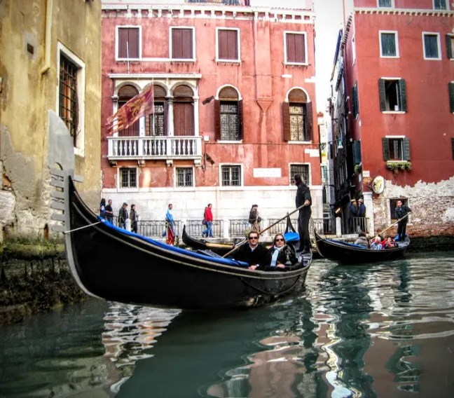 Travel and the nostalgia of first love - Venice