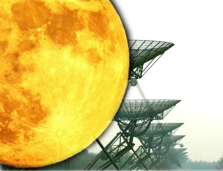 Informátor: Masivní mimozemské Crafts schovává za měsíc