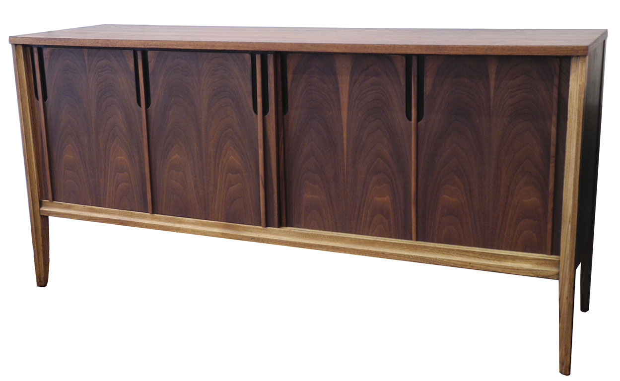 Nussbaum Sideboard Mid Century Walnut Sideboard: Sold | Inabstracto