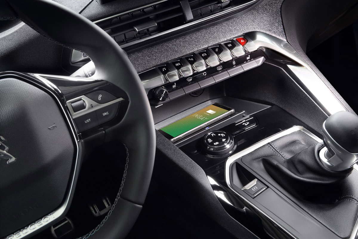 Handy Qi Charging Compartment For Your Peugeot 5008