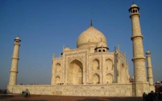 Atmospheric Brown Cloud turning Taj Mahal yellow