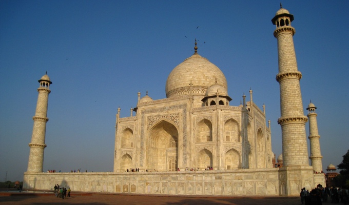 Researchers have pinned the responsibility on black carbon, light-absorbing brown carbon and dust for yellowing of Taj Mahal. (Image by Francisco Martins)