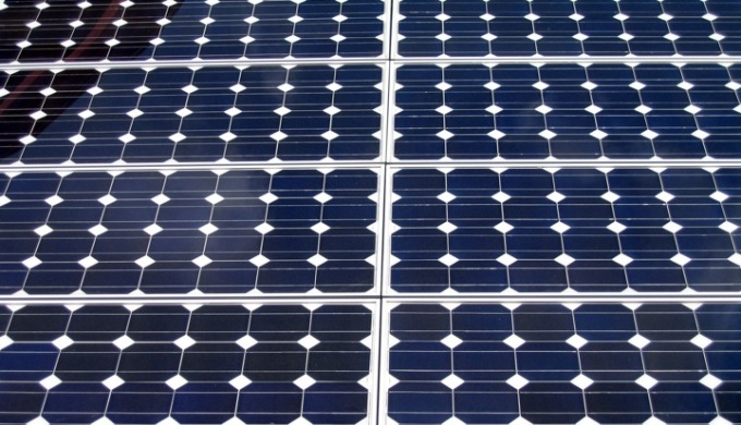 A new taxation proposal can increase the cost of grid-connected solar energy generation by 12 to 16% and that of off-grid systems projects by 16 to 20% in India. (Image by Kevin T. Houle)