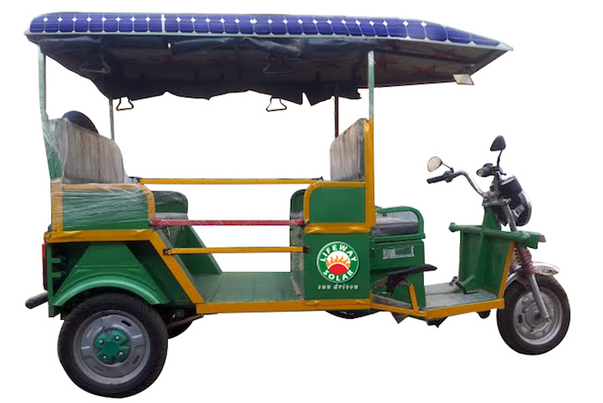 The solar e-rickshaw. (Image by Georgekutty Kariyanappally)