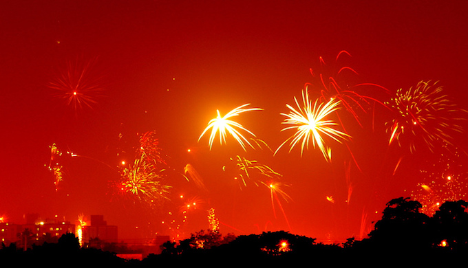 Diwali firecrackers light up a hazy sky (Photo by Soumyajit Pramanick)