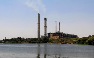 A coal-based power plant at Chambal (Image by Carol Mitchell