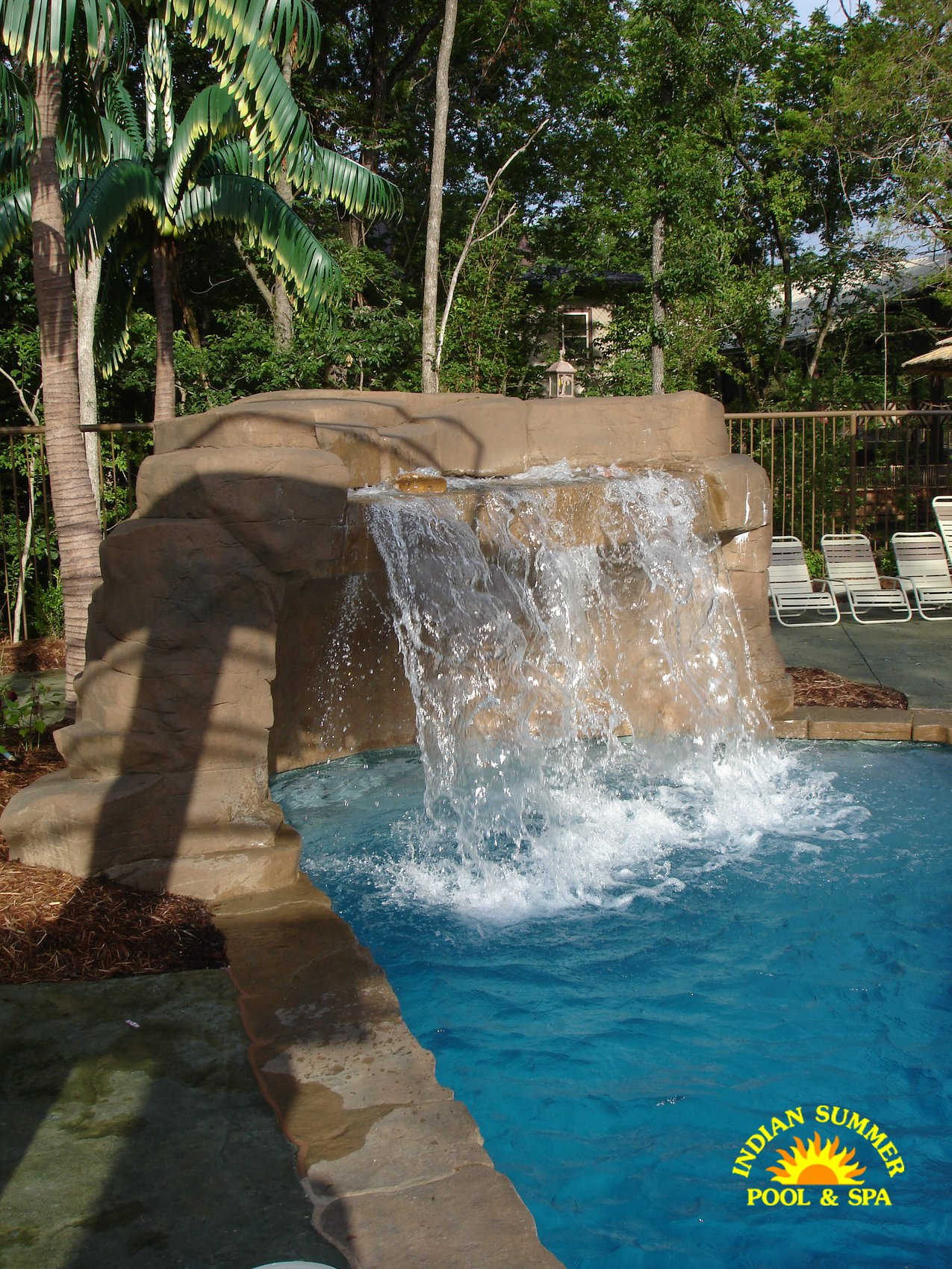 Jacuzzi Pool India Swimming Pool Features Pool Water Features Indian Summer Pool