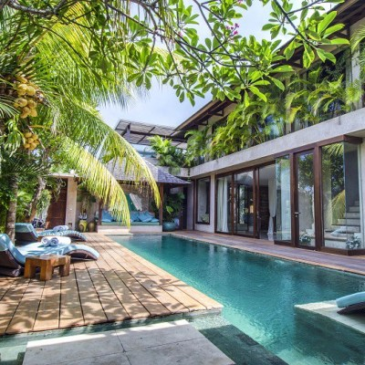 Beautiful 4 bedroom villa near the beach