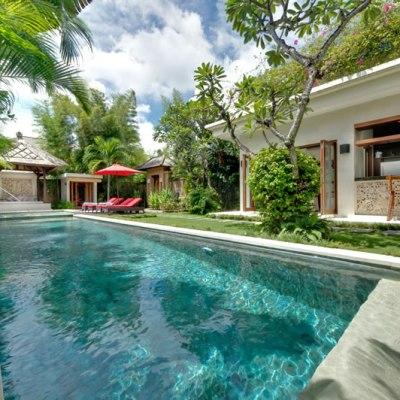 2 bedroom villa for sale in Seminyak Oberoi Area!