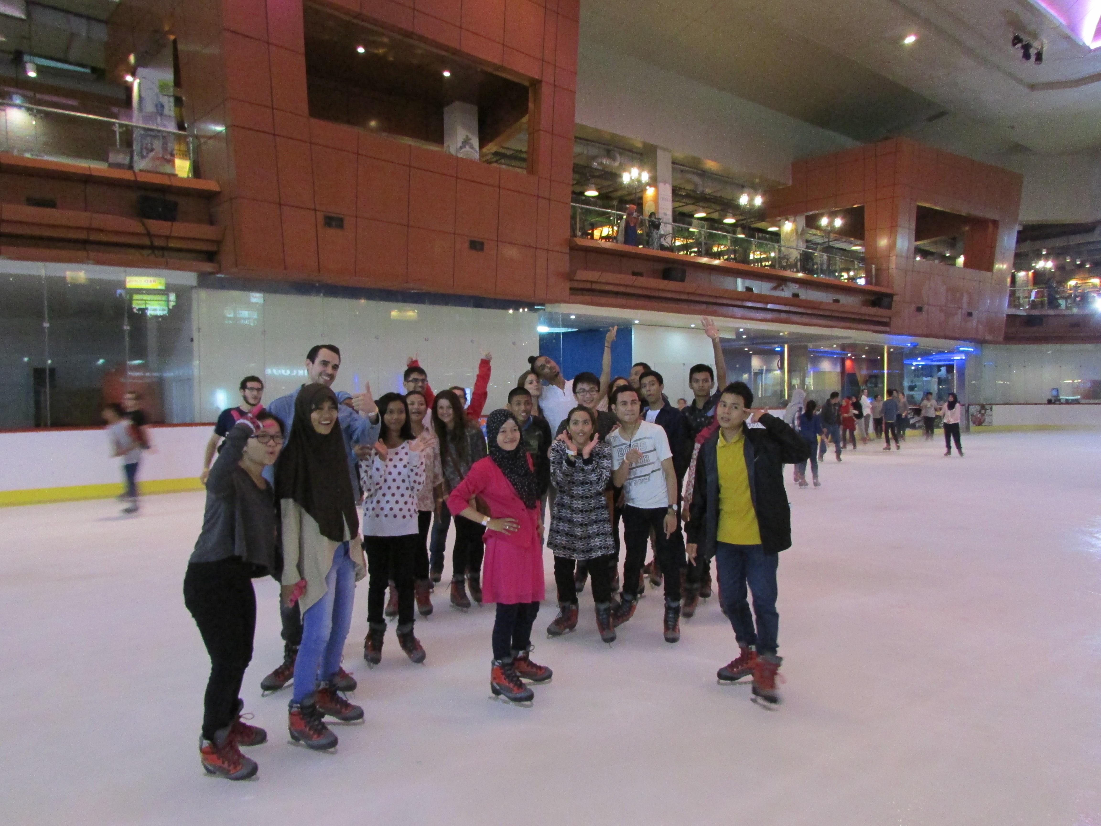 Bowling 1 ice skating