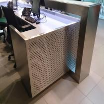 Indoormobel recepción de acero
