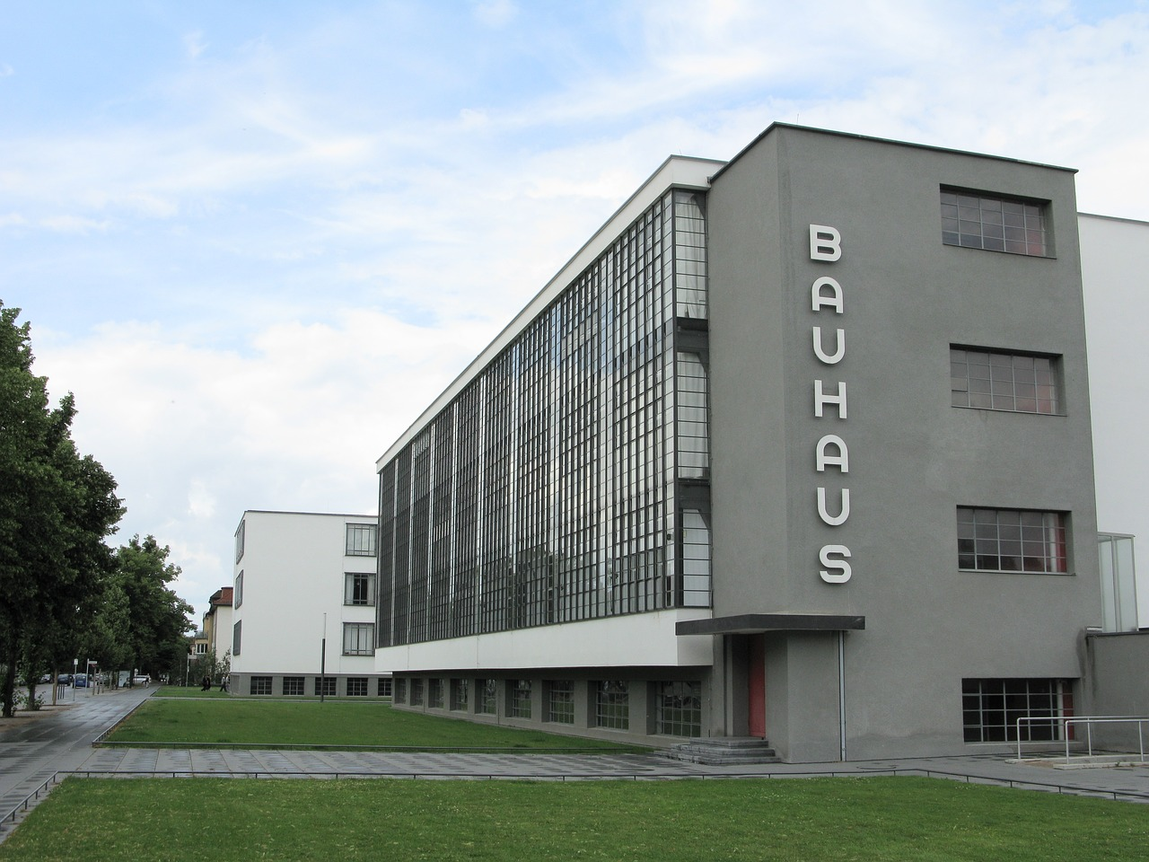 Architekt Bauhausstil How The Staatliches Bauhaus Fused Art And Industrial