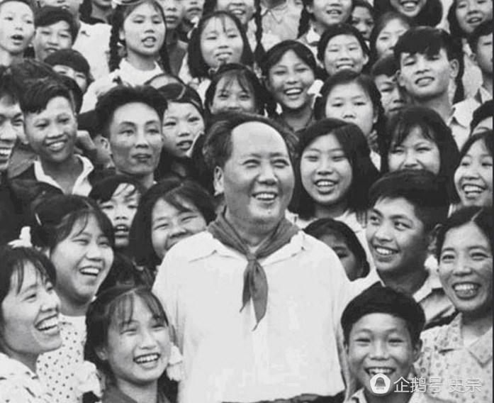 笑一笑,十年少:毛主席十大開懷大笑的老照片