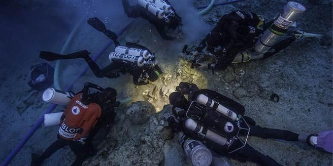 曾挖出最古老電腦!2000年沈船再發現完整骸骨