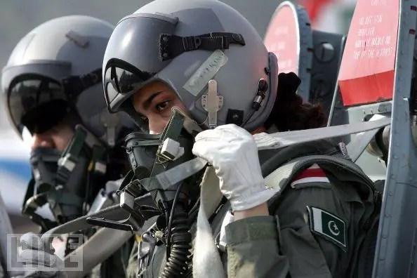 巴基斯坦竟不太需要JF-17B雙座梟龍,這怎麼回事?