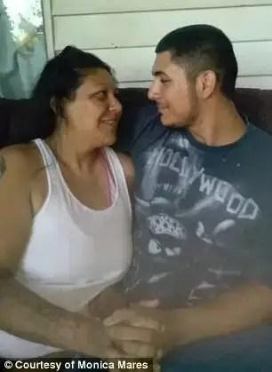 本來是久別重逢的母子,他們最後卻相愛了!這劇情這畫風太狗血