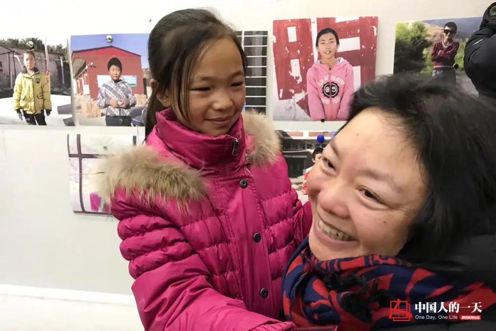 """中国人的一天:北京之旅后 那个凉山孩子开始拼命学习:""""我怕以后跟不上!"""