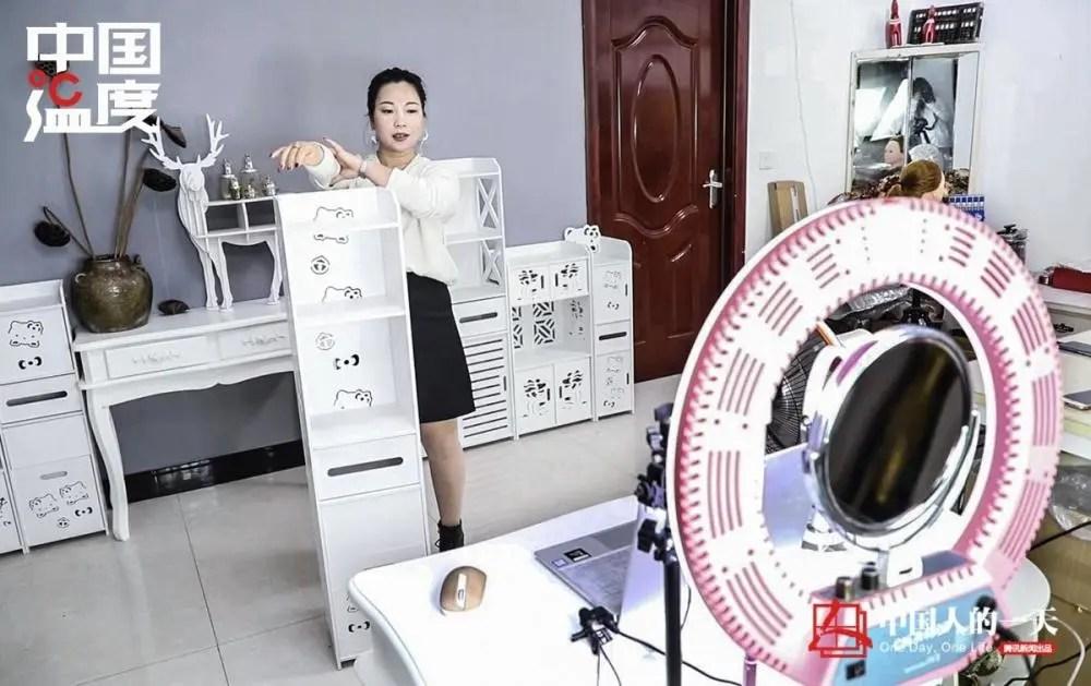 中国人的一天:农村主播年入百万帮扶上千村民 被介绍50个对象却还单身