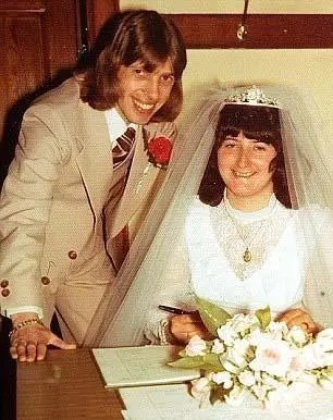 英國男子隔5年結一次婚,70歲結婚第9次,新娘都是25歲左右
