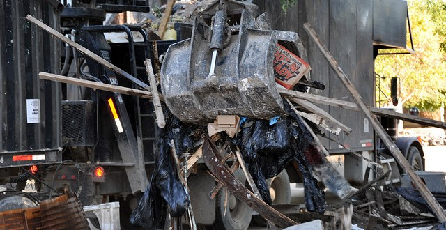 Federal agency launches probe of San Diego debris haulers