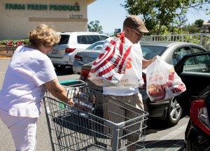 Oscar and Teri Lara shop for fresh food more frequently in their quest to lose weight and avoid diabetes. June 27, 2017. Megan Wood, inewsource