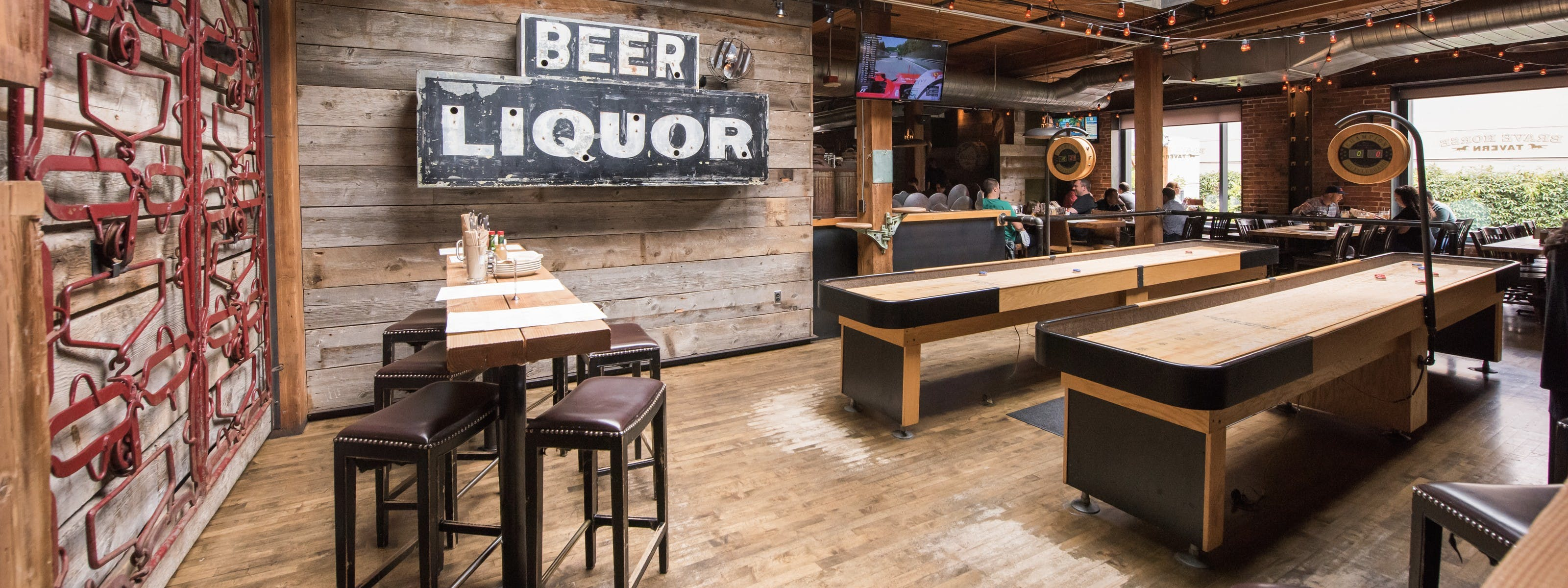 23 Great Bars With Activities Seattle The Infatuation