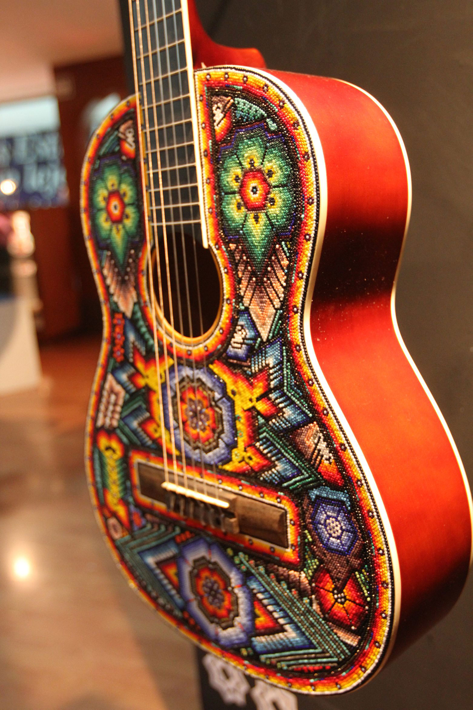 Guitarras Decoradas Arte Huichol Se Exhibirá En China Mediante Instrumentos