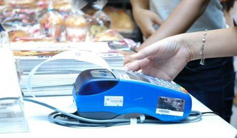 AKKI Ragukan Kesiapan Bank Laporkan Kartu Kredit