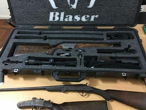 Infopoliciales allanaron oficinas de armerias de la for Oficina armas