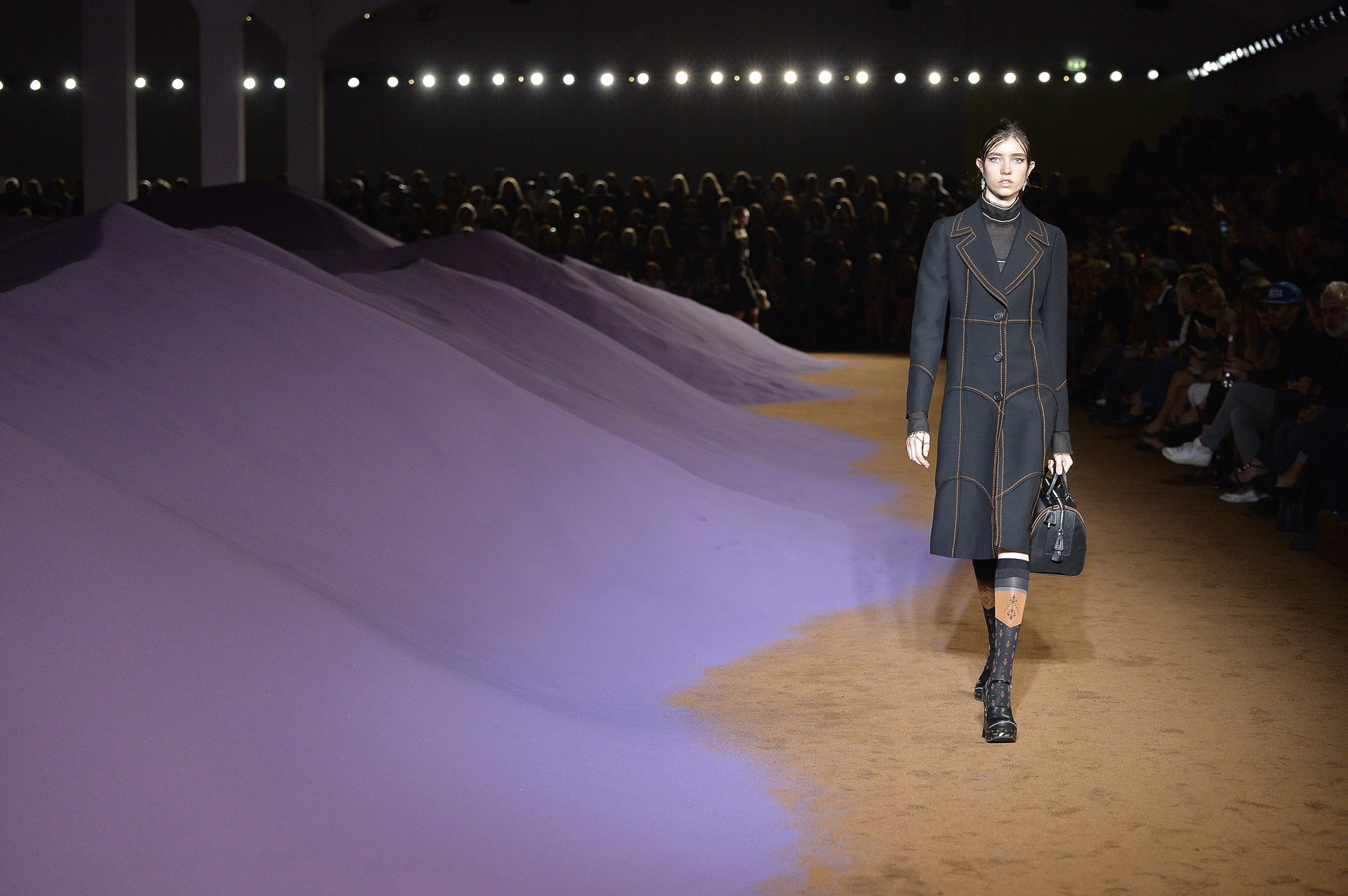 O lindo cenário do desfile da Prada (Foto: Getty Images)