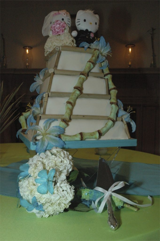 The cake made by my friend Nancy, and my bouquet made by yours truly. Not bad, right?