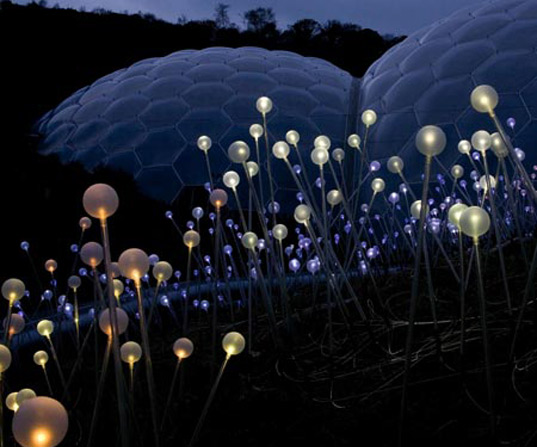 Artist Bruce Munro Creates Brilliant Fiber Optic Fields of Light