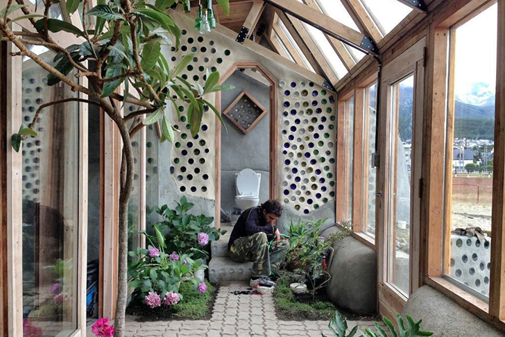 Michael Reynolds Lands Self Sufficient Earthship At The