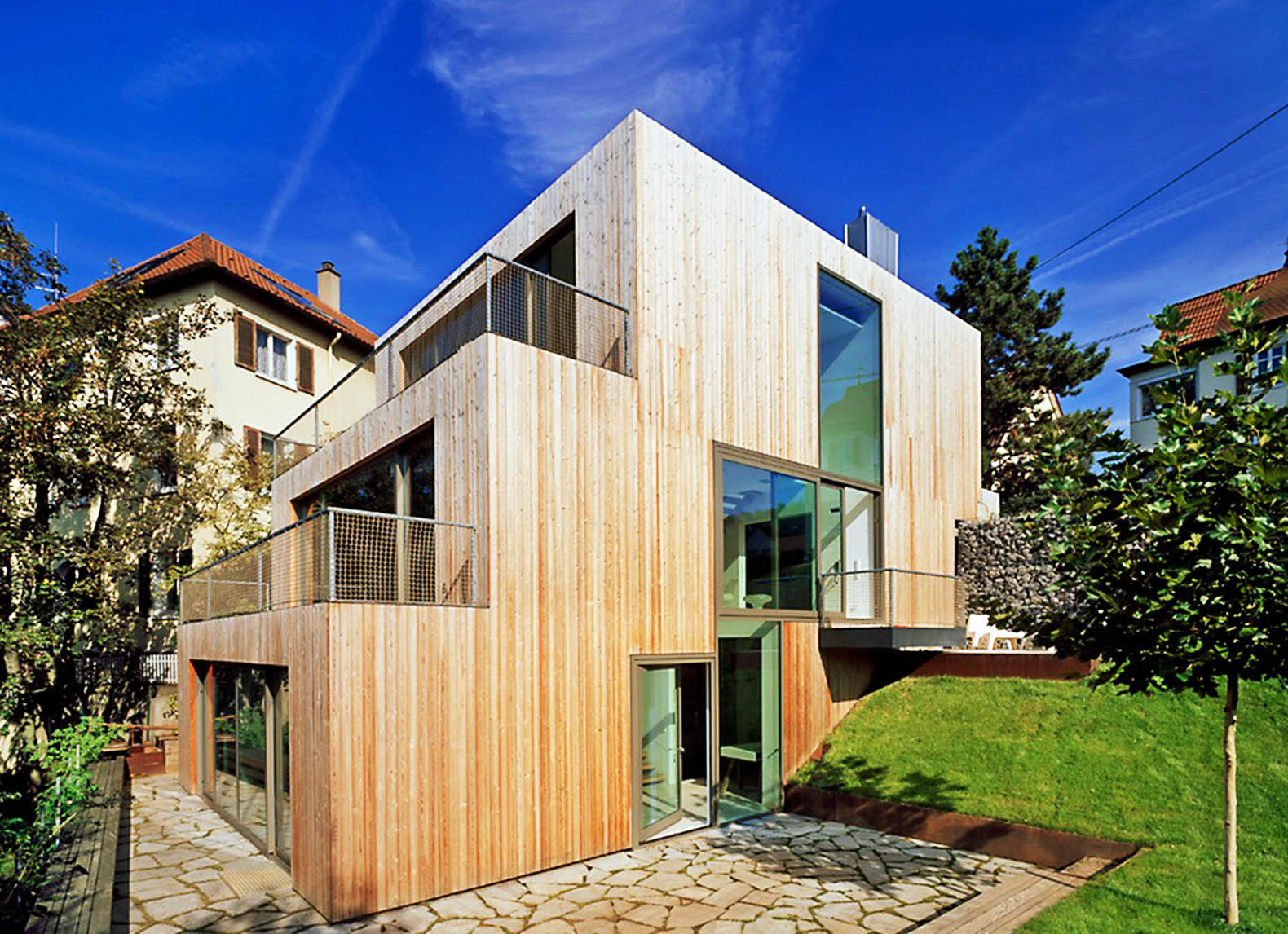 Haus Am Hang Staggered Timber Clad Haus Am Hang By Mvrdv Climbs A Stuttgart