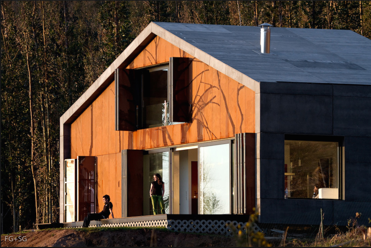 Container Haus Irland 12 Brilliant Prefab Homes That Can Be Assembled In Three