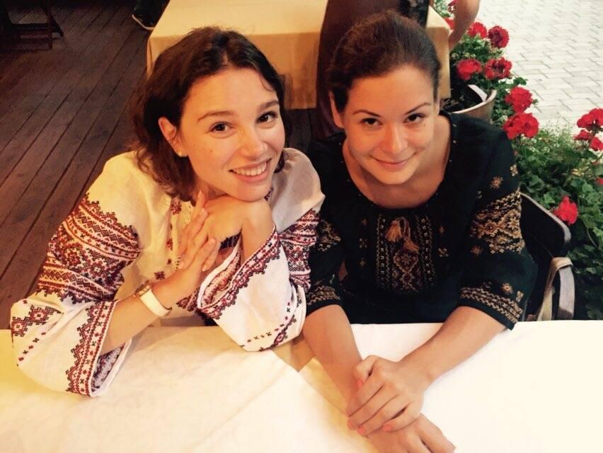 Сеть растрогало фото дочери Бориса Немцова в вышиванке Ink