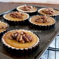 Echte Amerikaanse Pumpkin pie met maple pecans