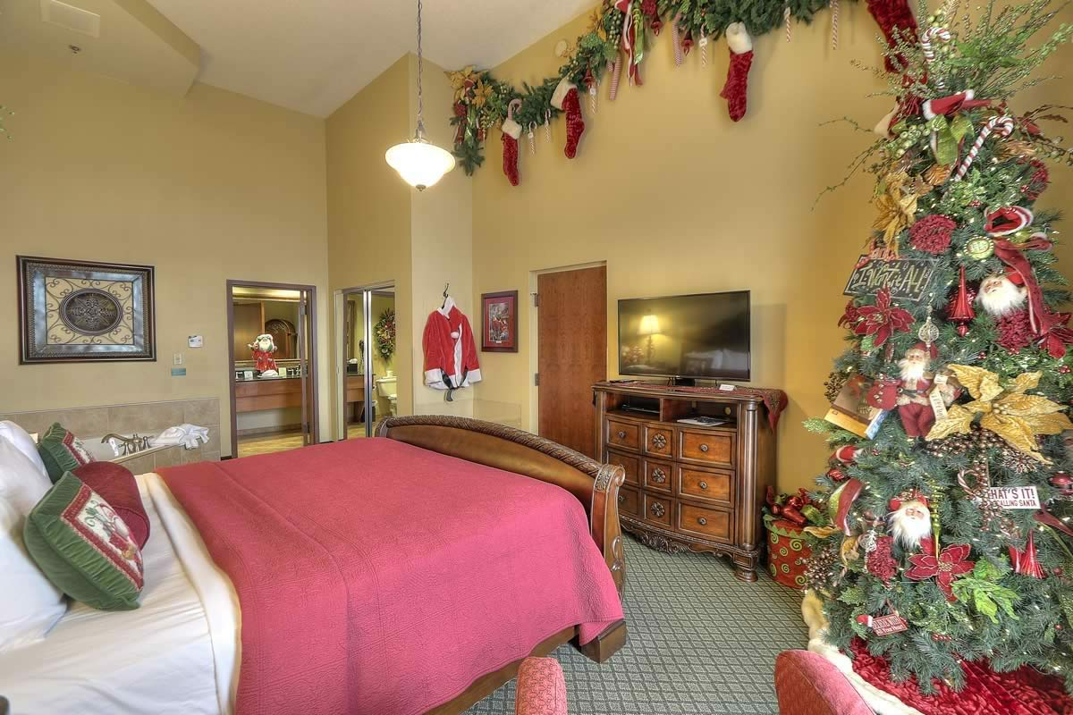 Two Person Desk Santa Suite | The Inn At Christmas Place - Pigeon Forge, Tn