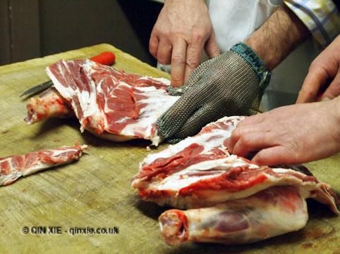 Preparing shoulder of lamb at Parson's Nose