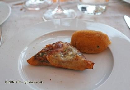 Black sausage parcels, Vinum, Oporto