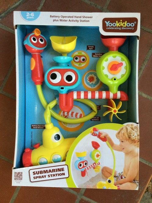 Pretend Play in the Bathtub with the Yookidoo Submarine Spray Station
