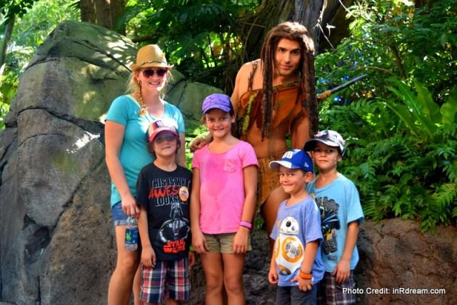 Meet and greet at Disney World. Canadian Tips to save money at Disney