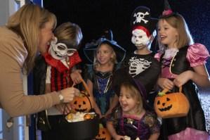 halloween-children-in-costume