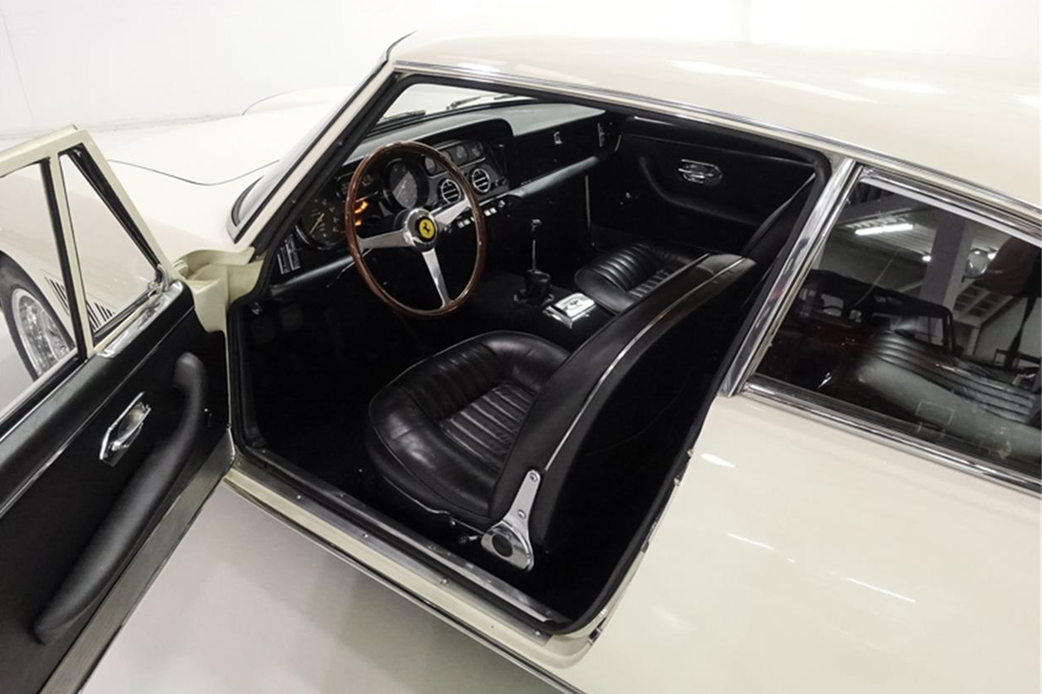 Enzo Interieur Enzo Ferrari S Personal Car Found In A Shipping Container Is For