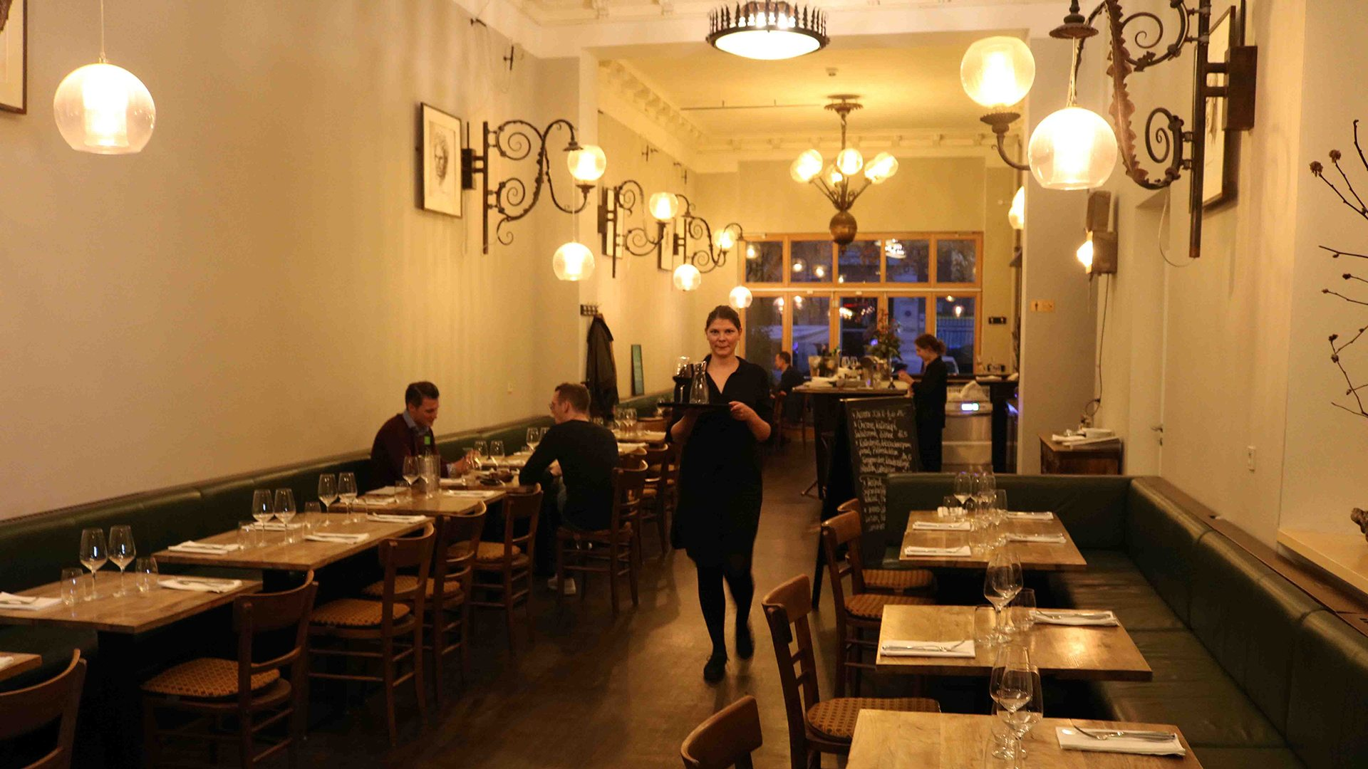 Traditionelle Küche Prag Brasserie Lumières: 100 Prozent Paris, Mitten In Berlin