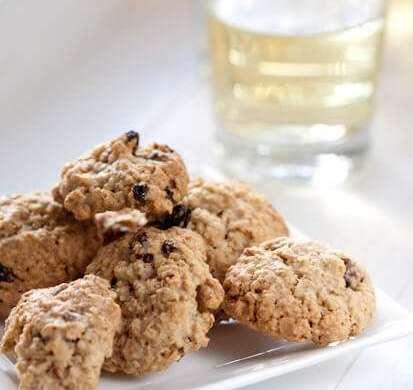 Raisin oatmeal cookies | insimoneskitchen.com