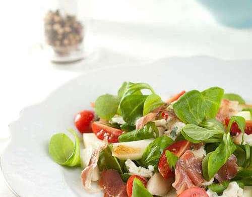 Roquefort and pear salad | insimoneskitchen.com