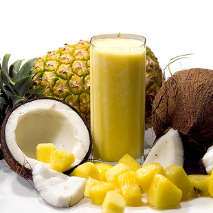 Smoothie of the day: Coconut & Pineapple green smoothie