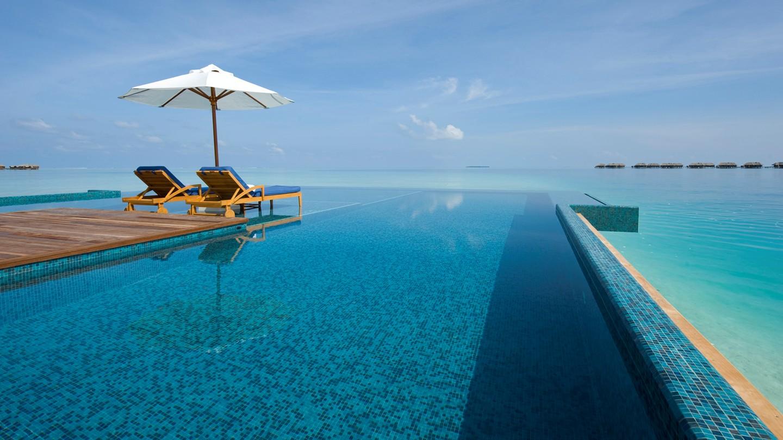 Hd Wallpaper Sea Beach Infinity Pool A Swimming Pool That Has No Limits
